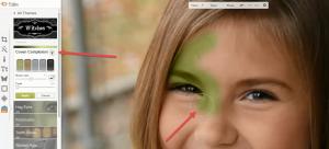 2Meisje veranderen in heks de huid groen schilderen
